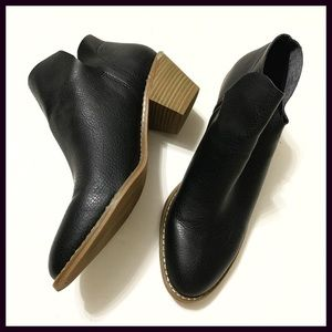 Black Boots Western style